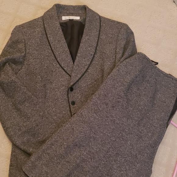 Tahari Jackets & Blazers - 2 piece grey suit
